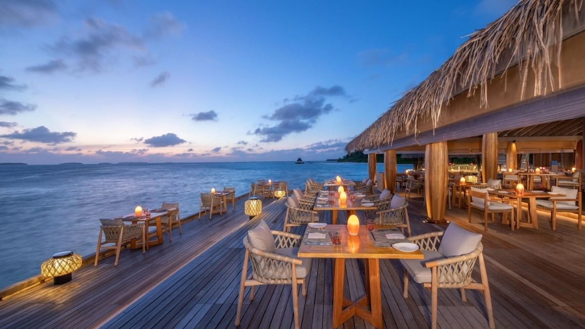 Maldives Anantara Kihavah Spice Deck