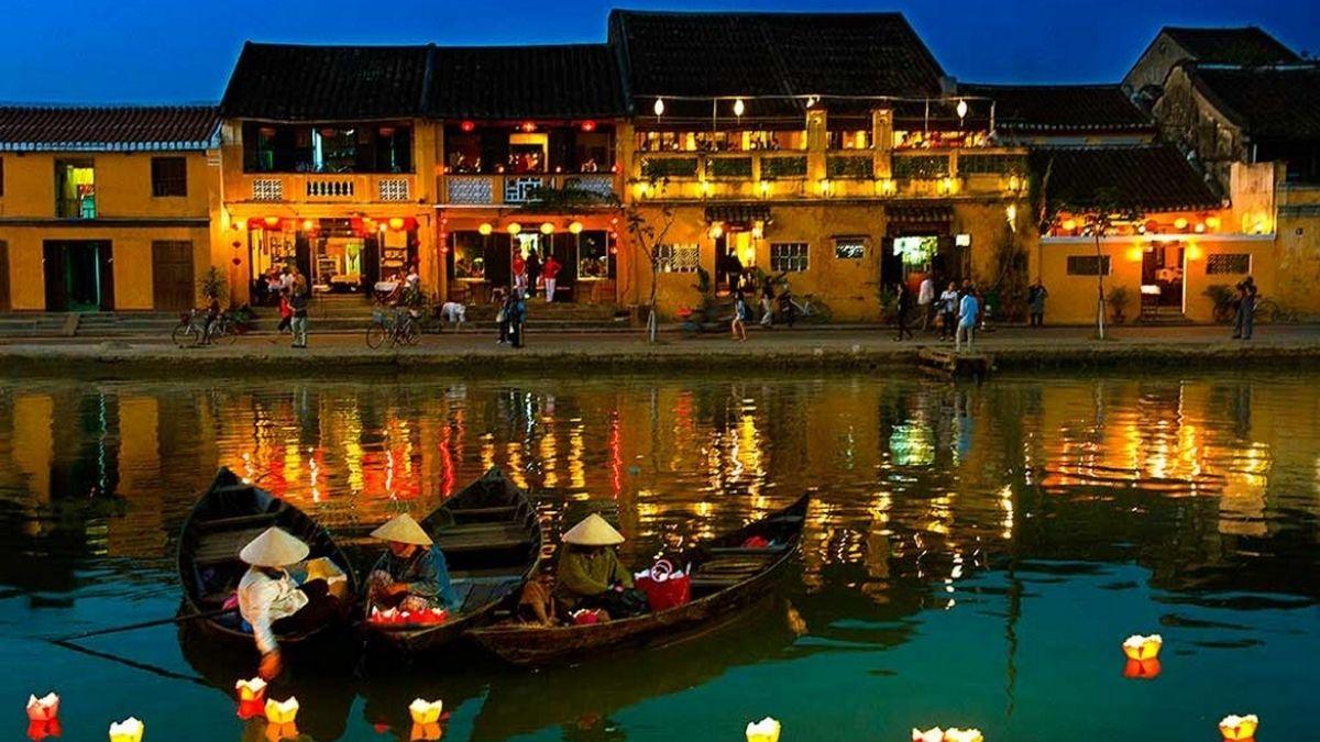 Hoi An at night Vietnam 1200w
