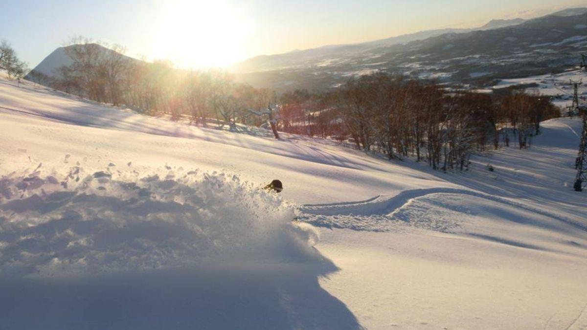 Niseko Ski Resort Powder Skiing 1200w Sporting Holidays