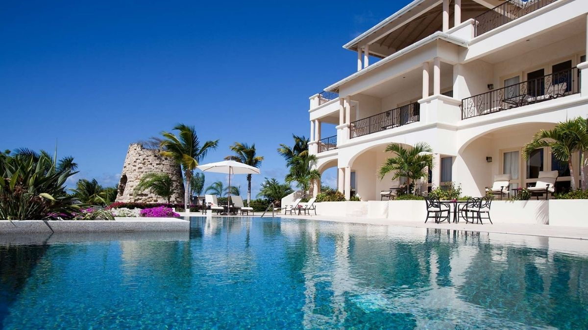 Blue Waters Antigua Cove Suites